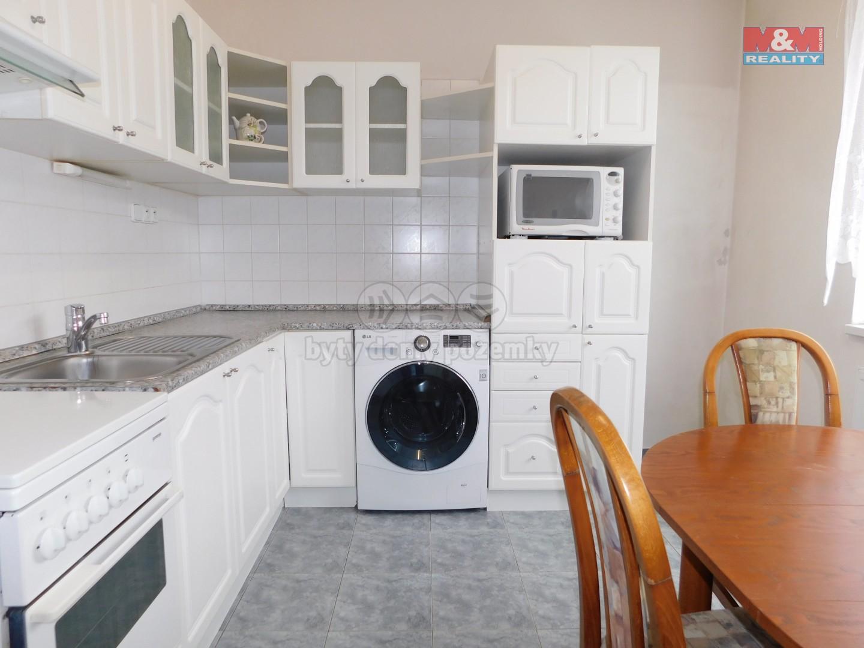 Kuchyně (Flat 2+1, 62 m2, Chomutov, Kamenný vrch)