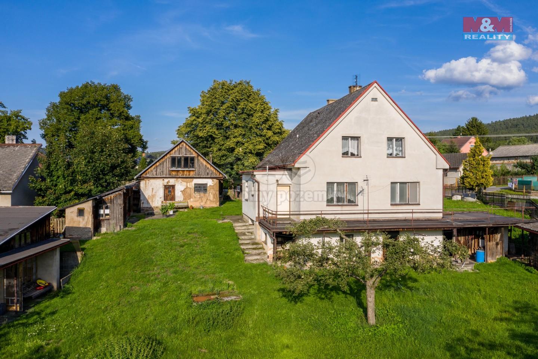 Prodej, rodinný dům 7+2, 1880 m2, Dobřív