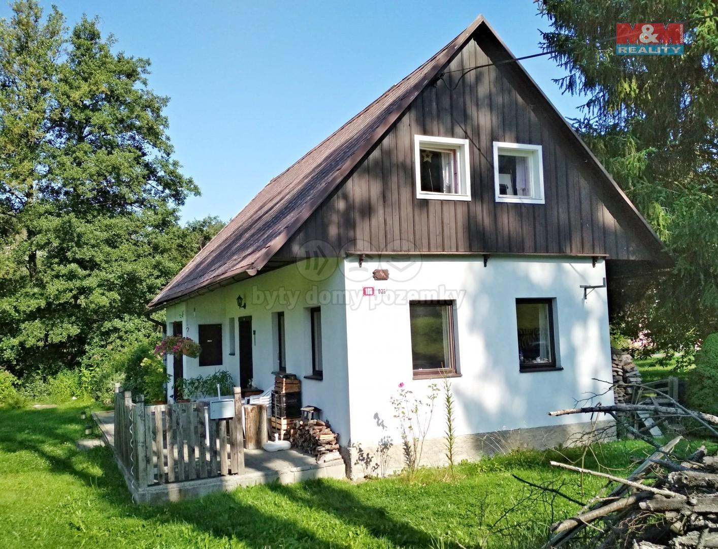 Pohled na dům (Cottage, Česká Lípa, Velenice)