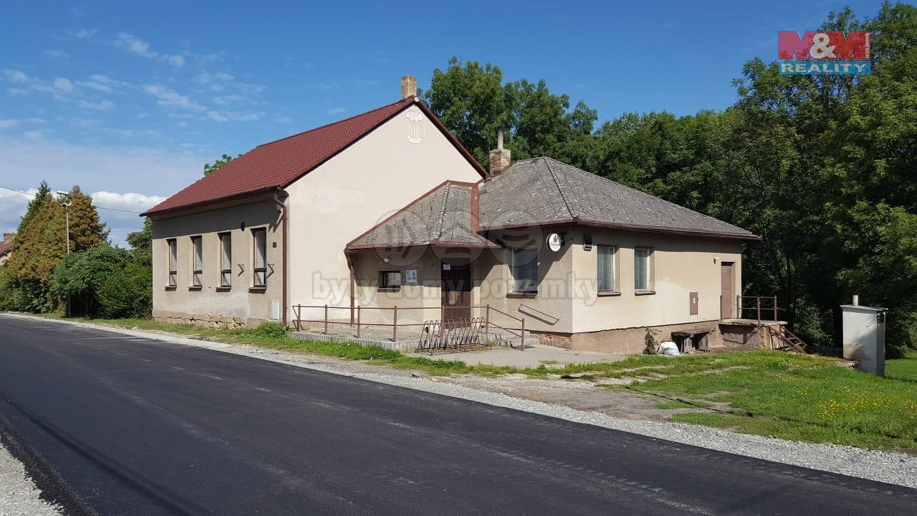 Prodej, komerční objekt, 798m2, Ujkovice