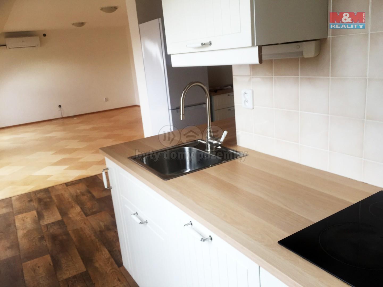 Pronájem, byt 2+1, 83 m2, Brno - Žebětín