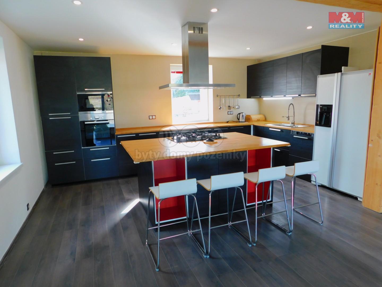 Prodej, rodinný dům 6+kk, 330 m², Přelíc