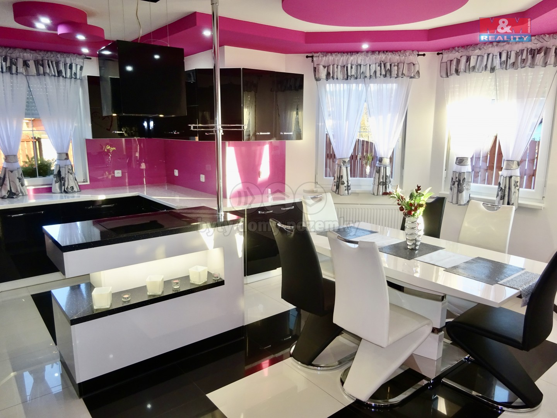 Prodej, rodinný dům 5+kk, 837 m², Sadov - Lesov