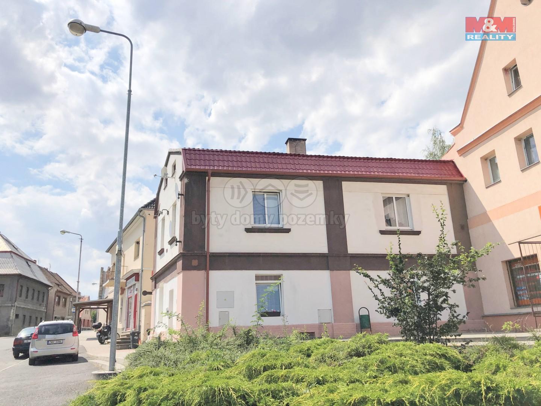 Prodej, rodinný dům, 453 m2 Měcholupy
