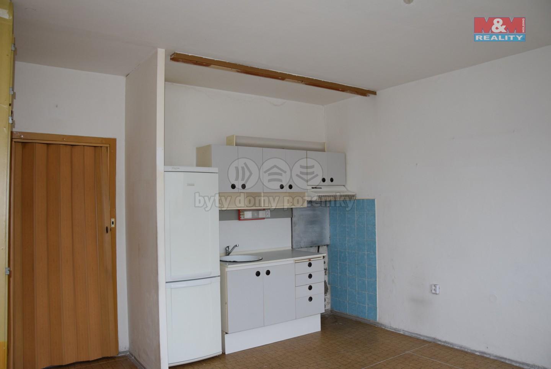 Pronájem bytu 2+kk, s lodžií, v Libereci, ul. Dobiášova
