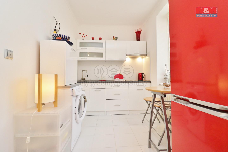Pronájem bytu 2+kk, 44 m², Karlovy Vary, ul. Šmeralova