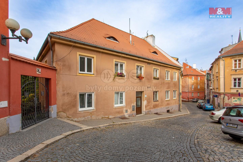 Prodej bytu 3+1, 70 m², Cheb, ul. Jánské náměstí