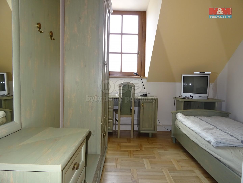 Pronájem bytu 1+kk, 20 m², Dýšina, ul. V. Brožíka