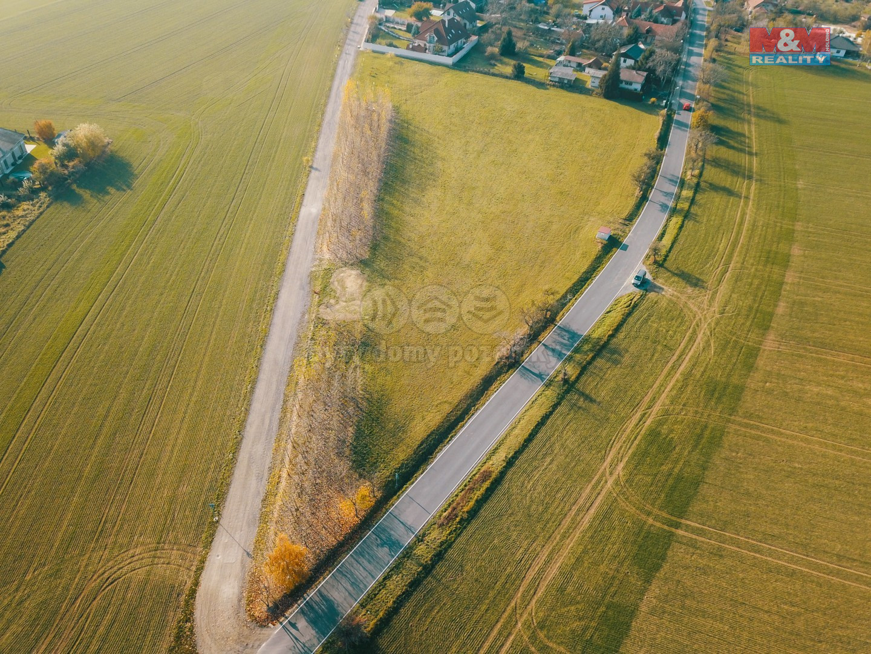 Prodej pole, 8761 m², Dobročovice