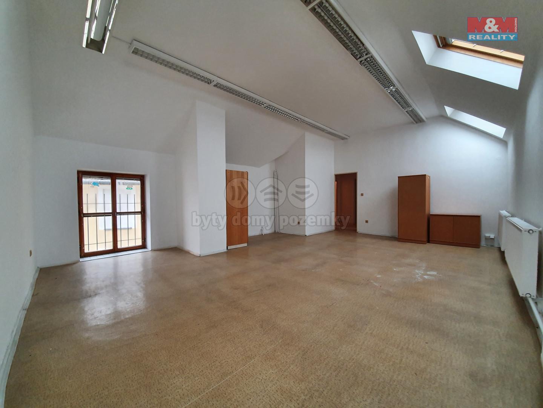 Pronájem bytu 2+1 65 m², Olomouc, ul. Blažejské náměstí