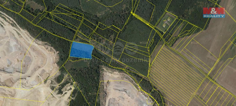 Prodej pole, 8571 m², Chvaletice