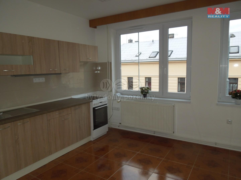 Pronájem bytu 2+1, 62 m2, Pardubice - centrum