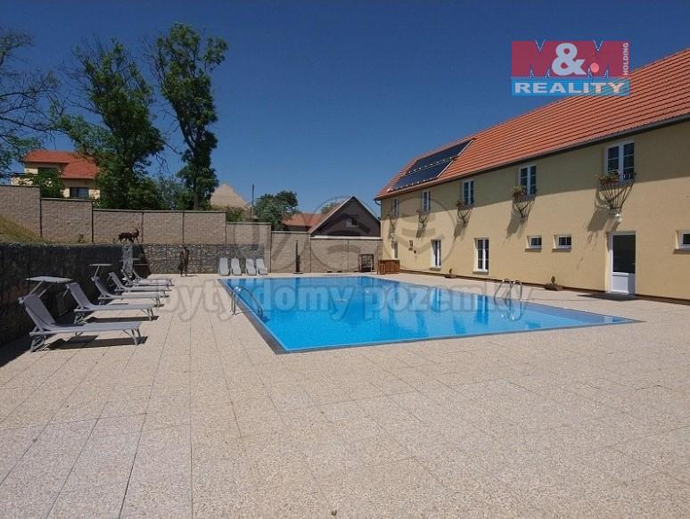 Prodej, hotel, penzion, 2000 m², Lhota, ul. Fr. Černého