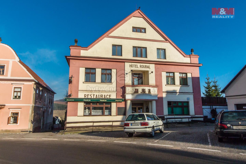 Prodej hotelu, penzionu, 719 m², Pecka