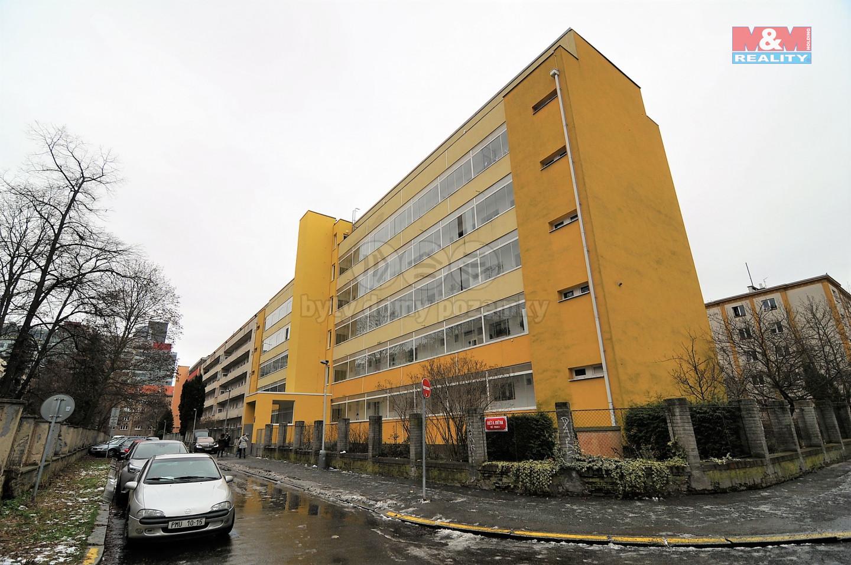 Pronájem bytu 1+1 v Praze, ul. Obětí 6. května