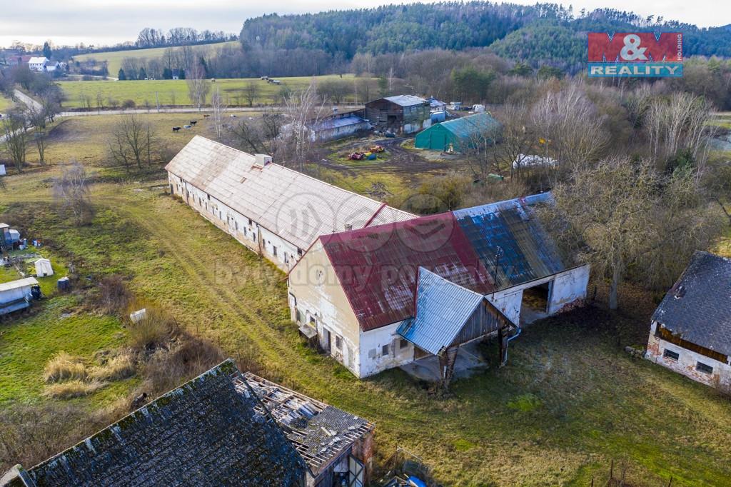 Prodej zemědělského objektu a pozemků Ždírec