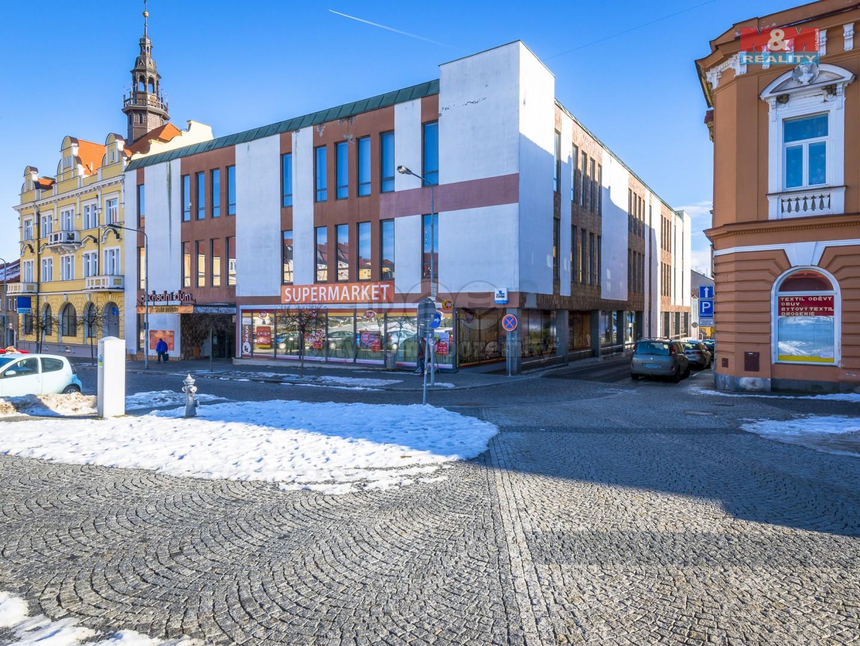 Prodej obchodního objektu, 5880 m², Votice