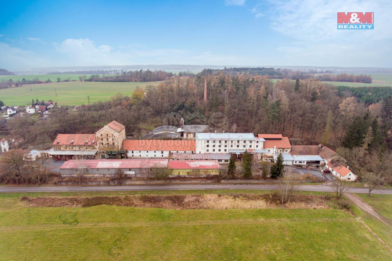 Prodej výrobního objektu, 94000 m², Dobřánky, Dobřany