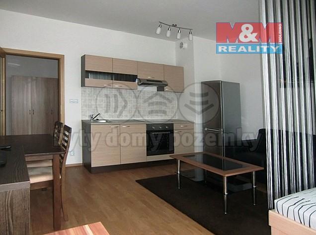 Prodej bytu 1+kk/L, 44 m2, ul. Modenská, Praha 10