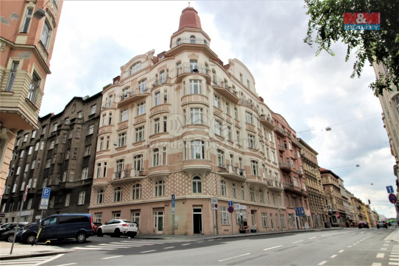 Prodej bytu 1+kk, 32 m², Praha, ul. Zborovská