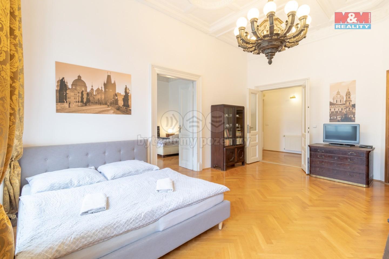 Prodej bytu 3+1, 116 m², Praha, ul. Malostranské náměstí