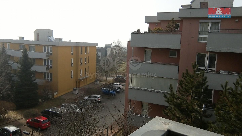 Pronájem bytu 2+1 v Praze,ul. Velká skála,s garážovým stáním