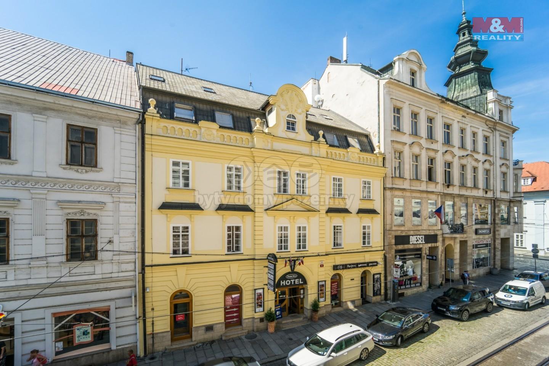 Pronájem bytu 3+kk v Plzni, ul. Zbrojnická