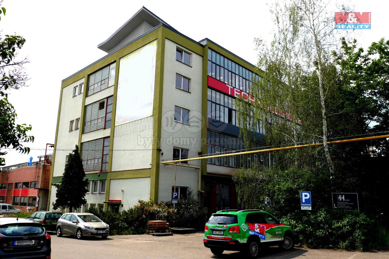 Pronájem kancelářského prostoru, 1080 m², Hradec Králové