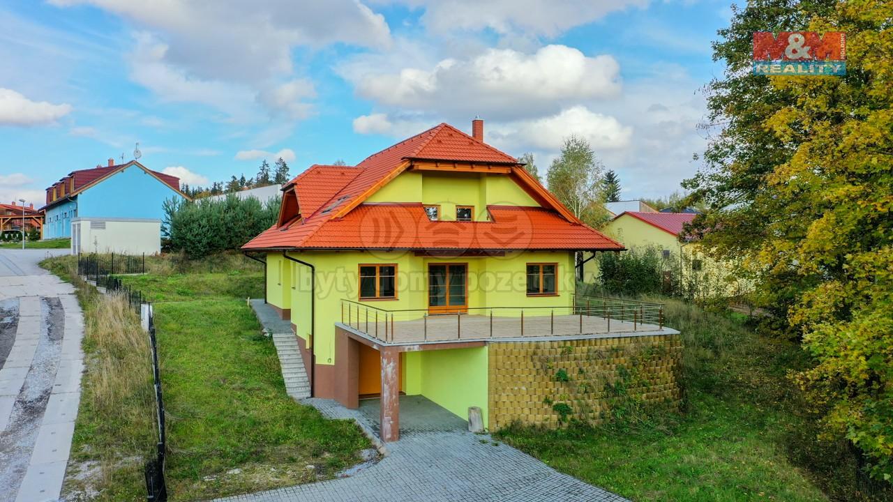 Prodej rodinného domu, 1 671 m², Frymburk