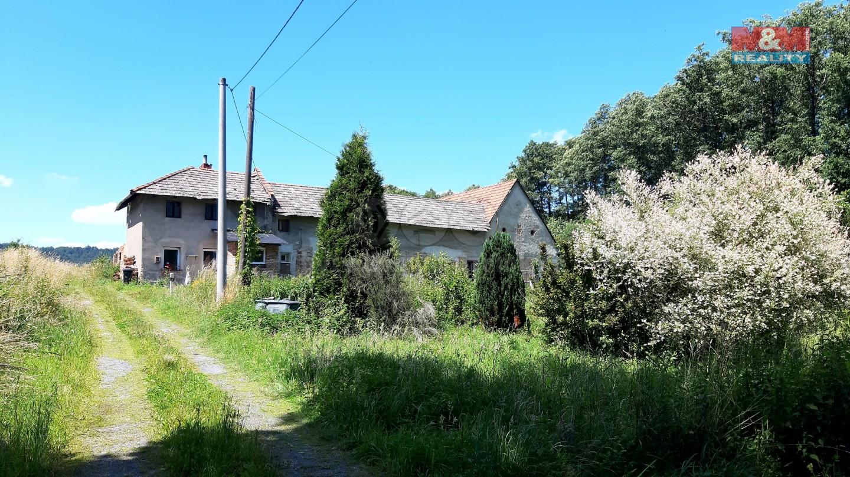 Prodej, rodinný dům, 450 m², Vražné