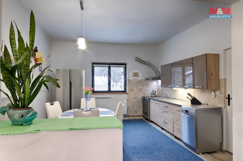 Prodej rodinného domu, 660 m², Hůrky