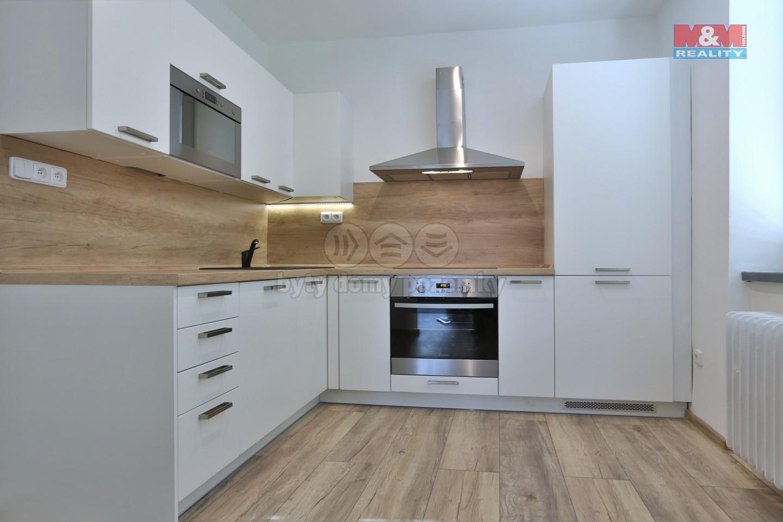 Pronájem bytu 3+1, 110 m², Hranice, ul. Masarykovo náměstí