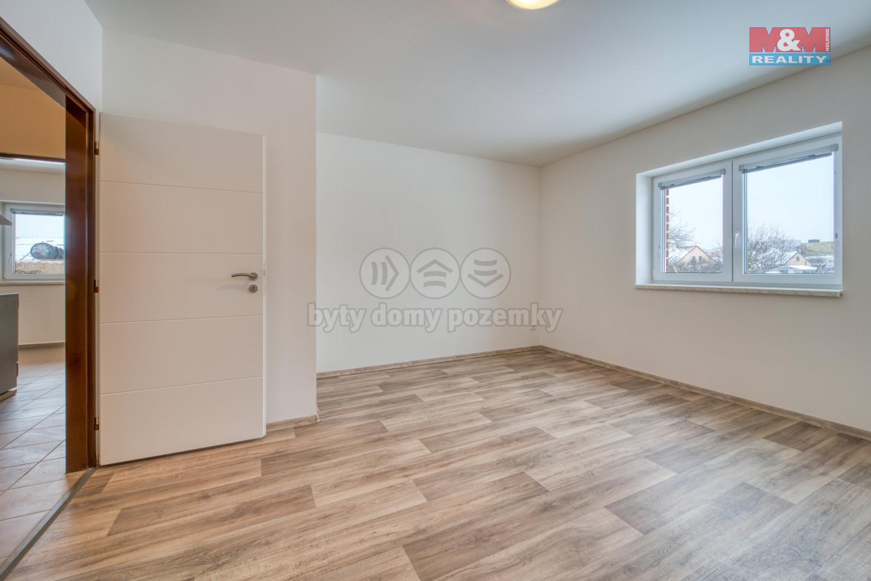 Pronájem bytu 2+1, 58 m², Dobřany, ul. Stromořadí