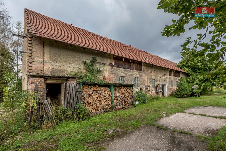 Prodej zemědělského objektu, 2557 m², Pěčice