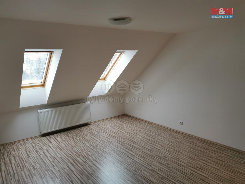 Pronájem bytu 3+kk v Tuchoměřicích, ul. V Kněžívce