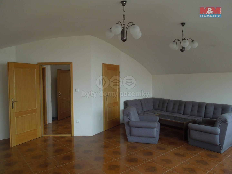 Pronájem bytu 2+1, 63 m², Pardubice, ul. 17. listopadu