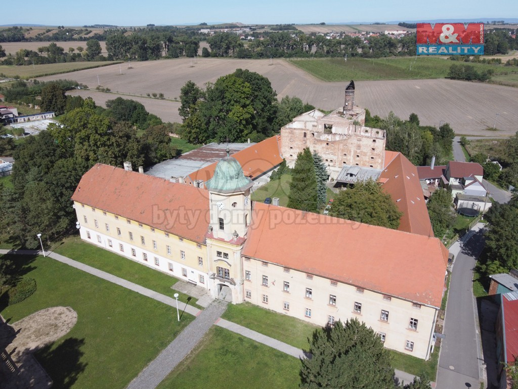 Prodej výrobního objektu, 11440 m², Mořice