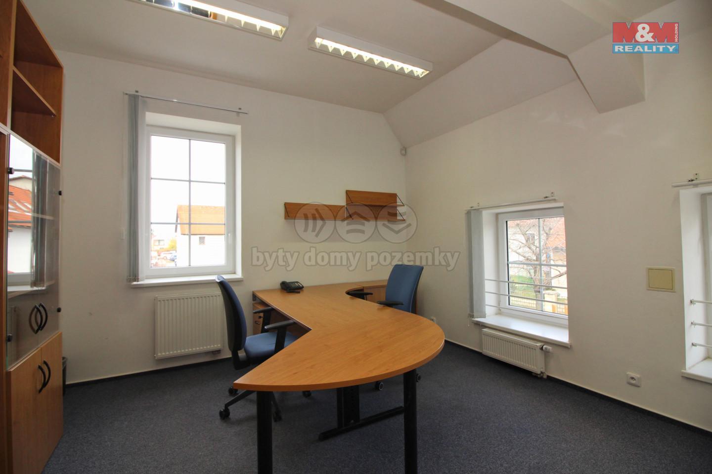 Pronájem kanceláře 16 m2, Ohradské nám., Praha 5 - Stodůlky