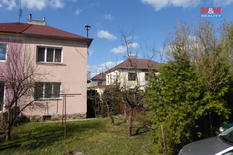 P1030015.JPG (Prodej rodinného domu, 80 m², Sezimovo Ústí, ul. Švermova), foto 1/11