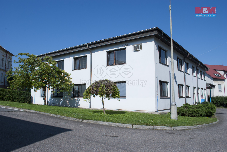 Pronájem kancelářského prostoru, 330 m², Skuteč, ul. Husova