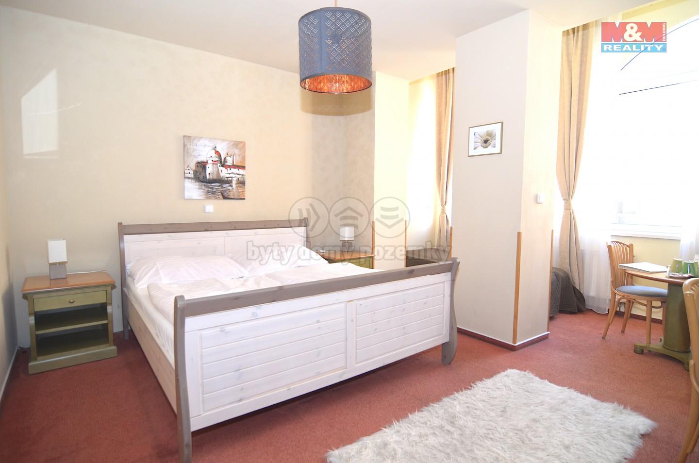 Pronájem, pokoj, 32 m², Praha, ul. Na Celné