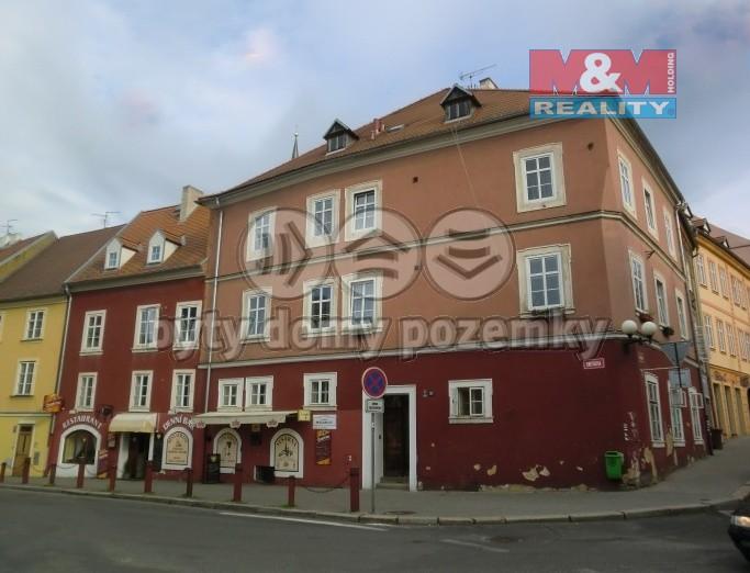 Prodej bytu 3+1, 82 m², Cheb, ul. Smetanova