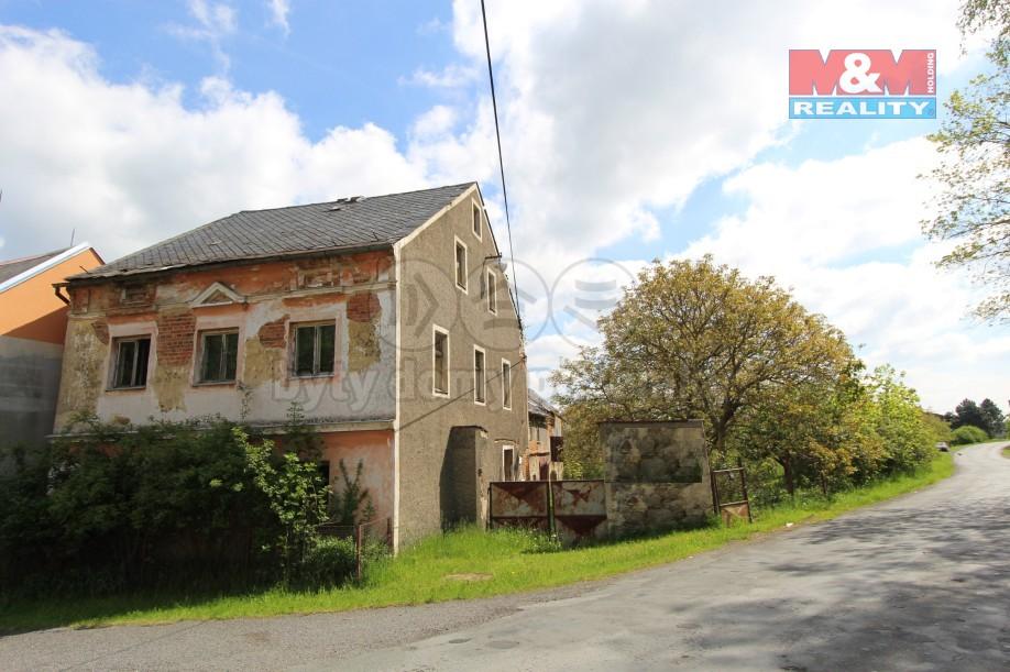 Prodej, rodinný dům 7+1, 1815 m2, Lestkov