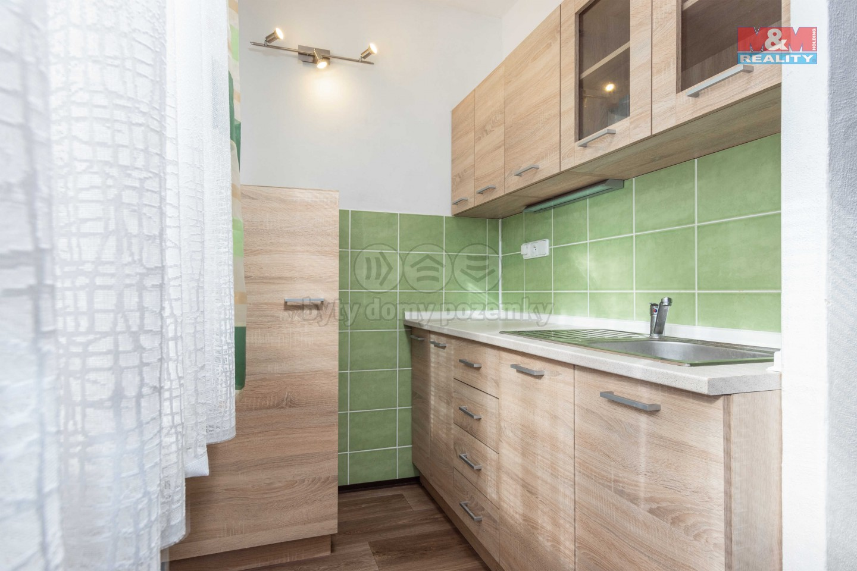 Pronájem bytu 1+kk, 32 m², Pardubice, ul. Kosmonautů