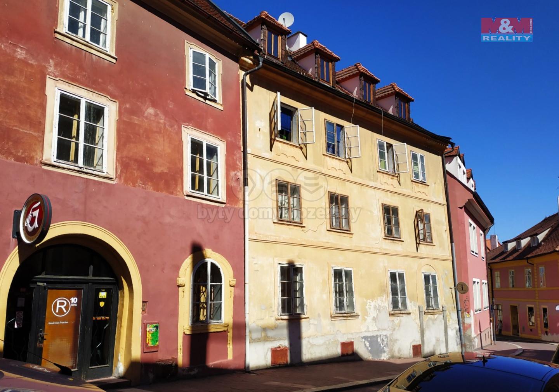 Pronájem bytu 3+1, 68 m², Cheb, ul. Růžová
