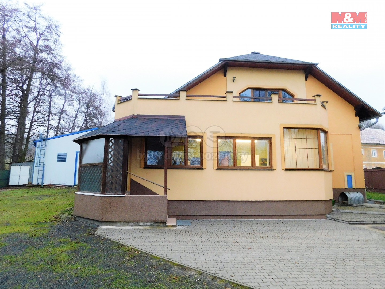 Prodej výrobního objektu s bytem, 2906 m², Ostrov