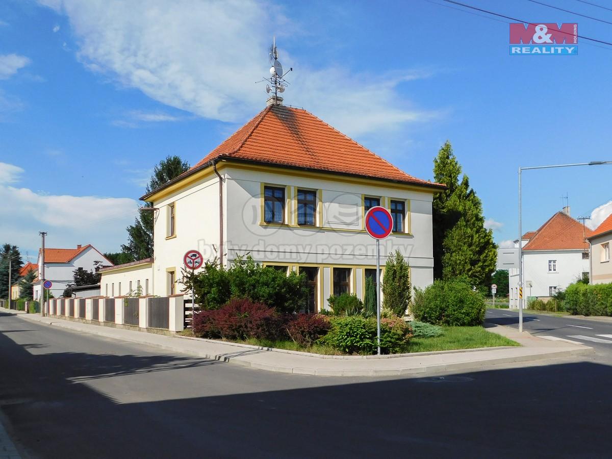 Prodej rodinného domu, 804 m², Polepy