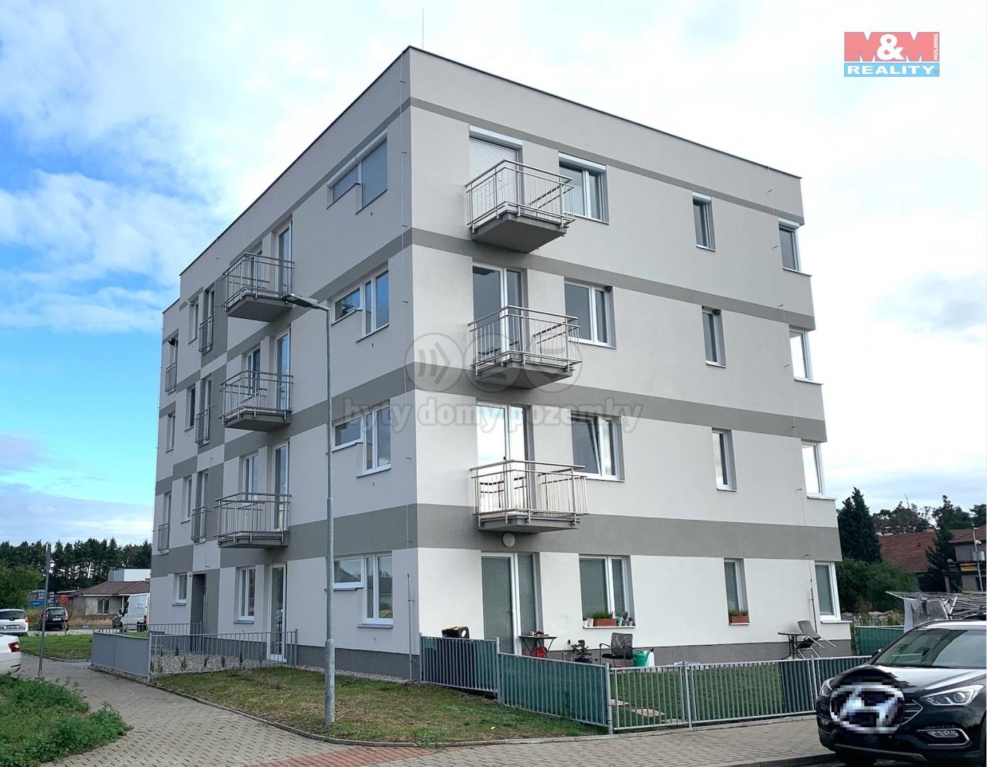 Pronájem bytu 1+kk, 47 m², Velký Osek, ul. U hřiště