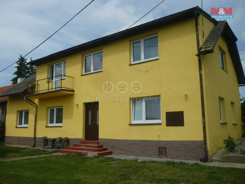 Prodej, rodinný dům 5+1, 1081 m2, Bzová