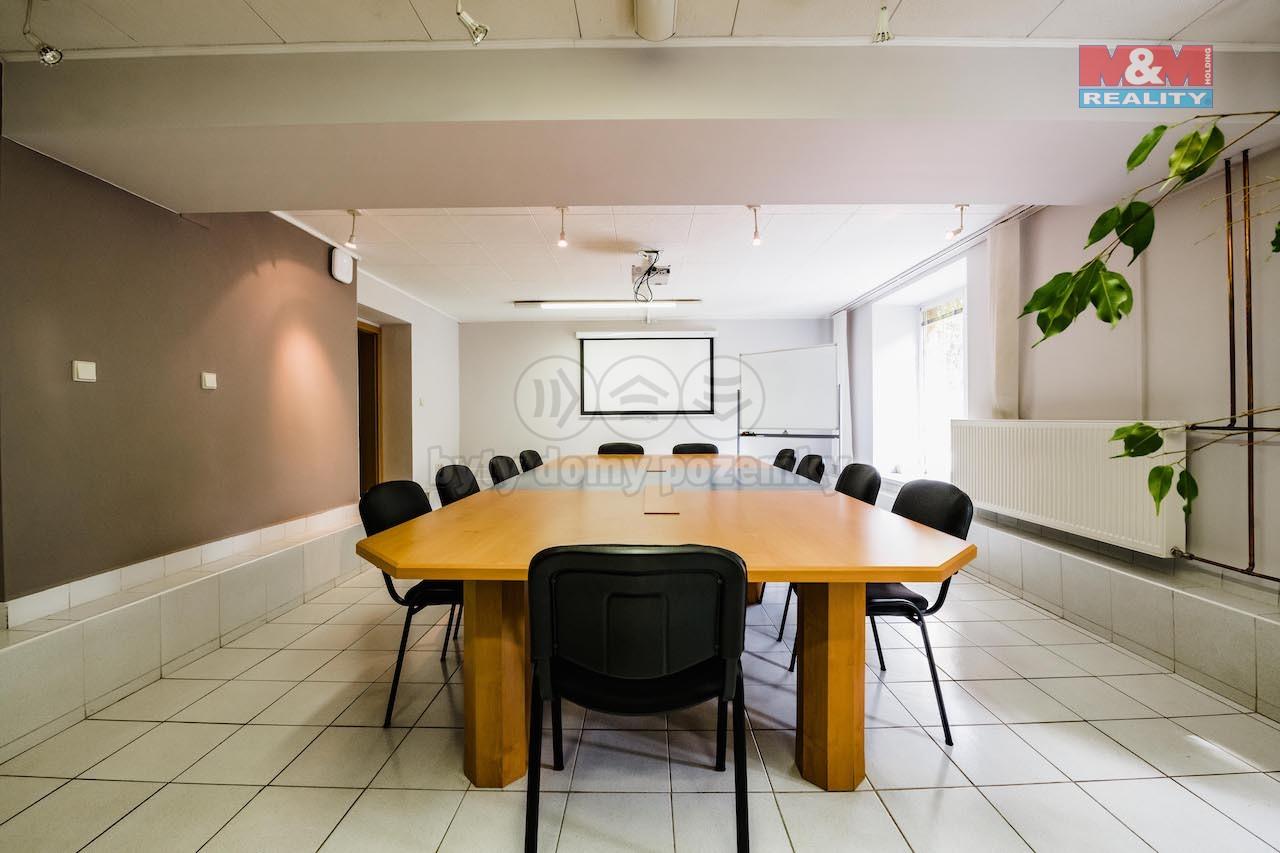 Prodej kancelářského prostoru, 141 m², Tábor, ul. Komenského